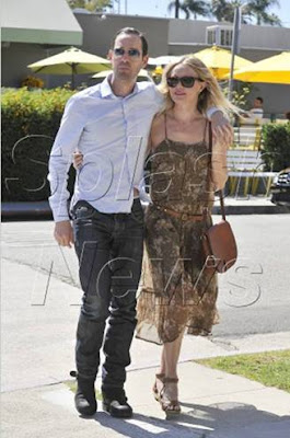 Kate Bosworth iconica por West Hollywood.