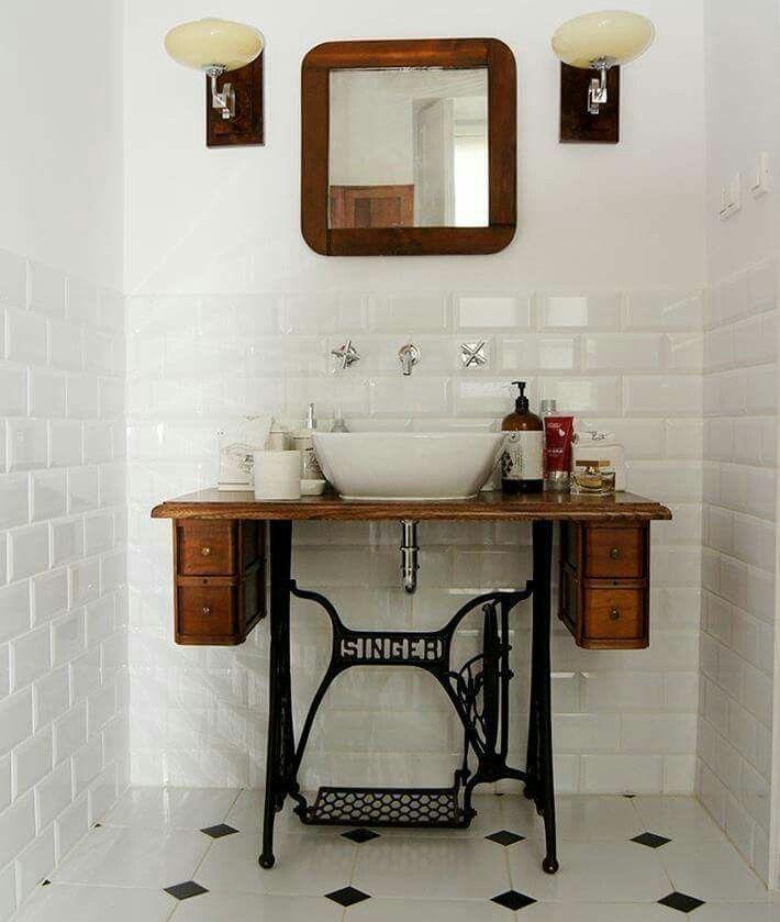 Elegant%2BVanity%2BMirrors%2Bwith%2BSink%2BDesign%2Bfor%2Bbathroom%2Bprepare%2B%252811%2529 25 Elegant Vanity Mirrors with Sink Design for Bathroom Prepare Interior
