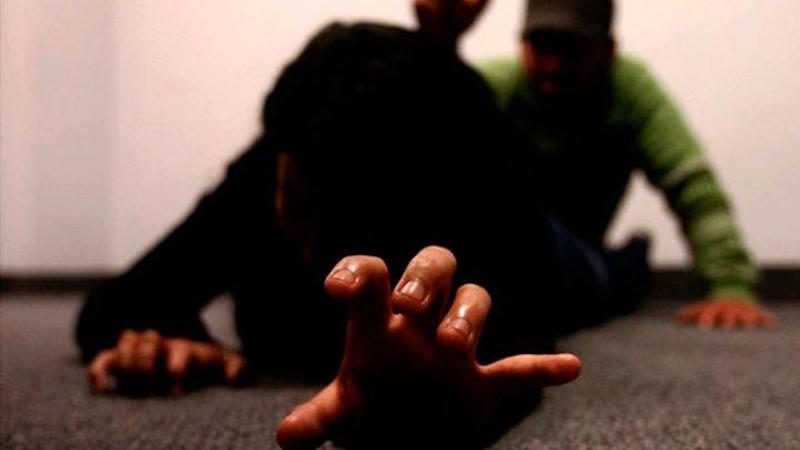 Sigue violencia de género: Apuñala a su novia por llegar tarde