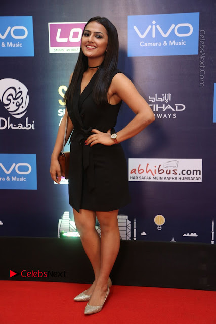 Actress Shraddha Srinath Stills in Black Short Dress at SIIMA Short Film Awards 2017  0003