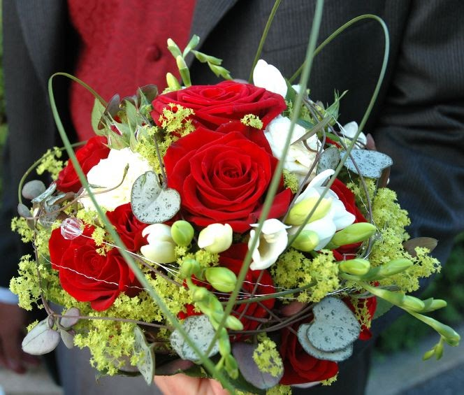 Christmas Wedding Bouquets And Flowers: Wedding Decorating
