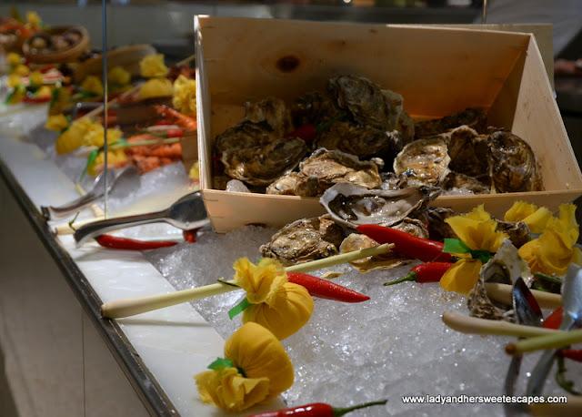 oysters at Palazzo Versace Dubai