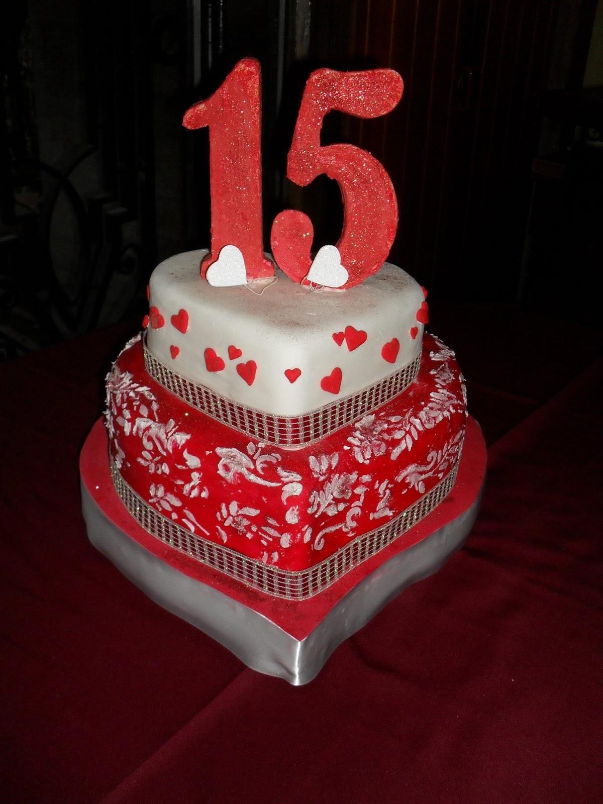 Tortas para 15 a os for Decoracion para 15 anos 2016