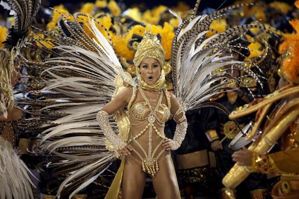 секс карнавал фото выступил только