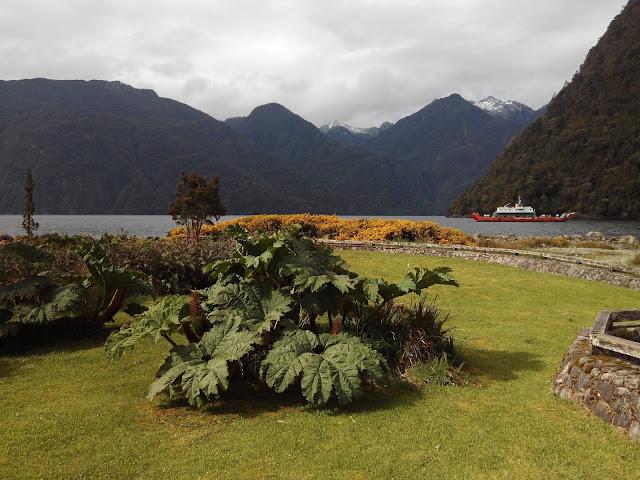 Fiordo Reñihué, Parque Pumalín, Chile