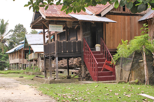 Rumah godang piliang tribe (rumah godang suku piliang kuantan singingi)