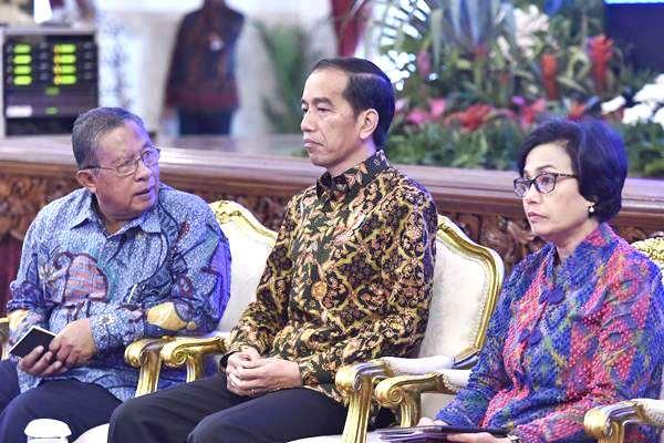 Tim Ekonomi Pemerintah Jerumuskan Jokowi