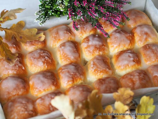 buleczki do odrywania, bulki drozdzowe z powidlami, buchty, slodkie drozdzowki, buleczki na drugie sniadanie,  ciasto drozdzowe, smaczna pyza poleca