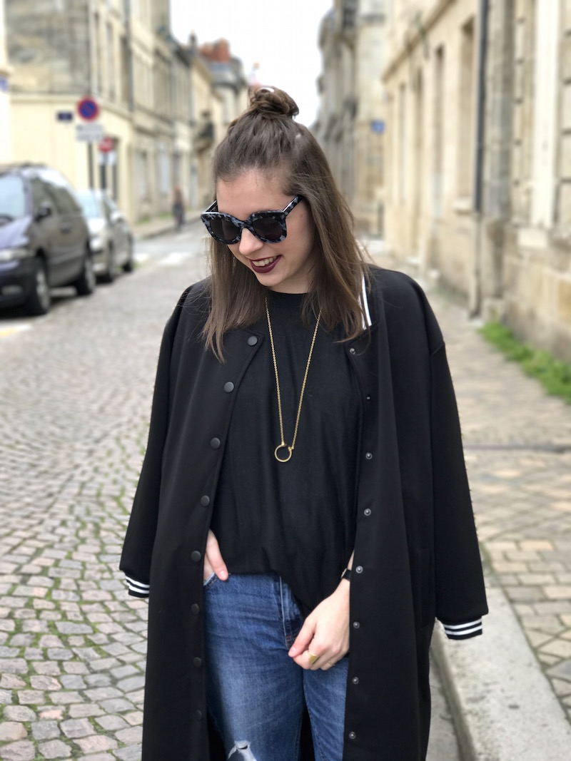 jean et pull noir H&M, teddy noir long Shein, lunette jimmy fairly, collier rebecca minkoff