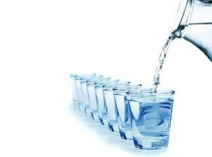 Takaran air putih untuk tubuh