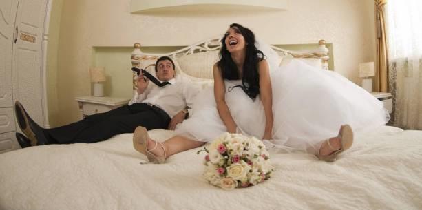 اكتشف مصيبة كبري بعد زواجهما بأسبوع فشاهد ماذا فعل الزوج