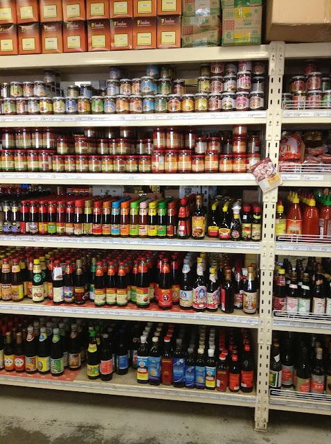Segala Jenis Sos Kicap Sambal Dan Sebagainya Boleh Didapati Di Sini