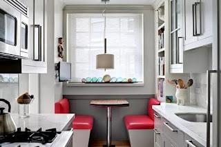 Как увеличить пространство на маленькой кухне?