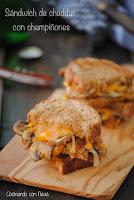 Sándwich de cheddar y champiñones