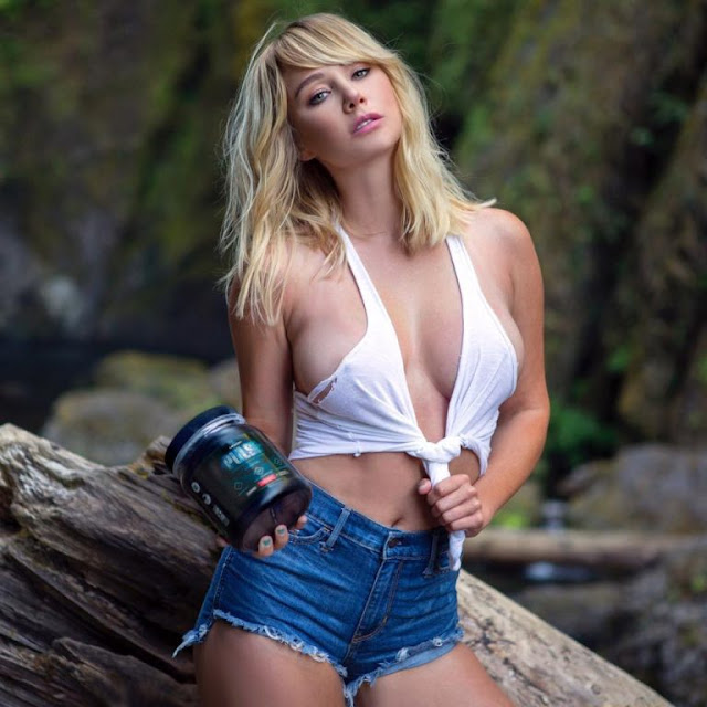 Hot girls Sara Underwood show body with bikini 4
