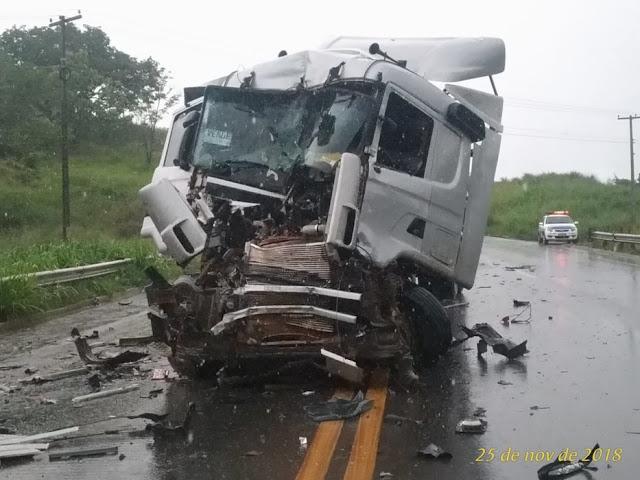 Deputado Léo Moraes e sargento dos bombeiros saem feridos em grave acidente na BR 364