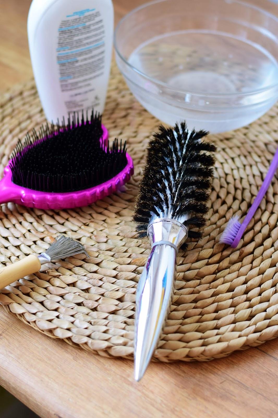 Quick tip: Jak wyczyścić szczotkę do włosów?