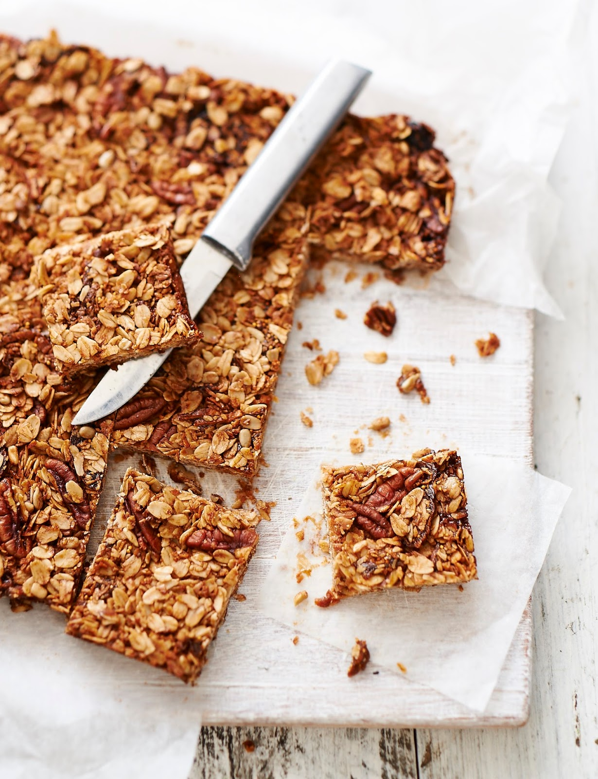 How To Make Lisa Roukin's Dried Fig, Pecan And Dark Chocolate Oat Bars