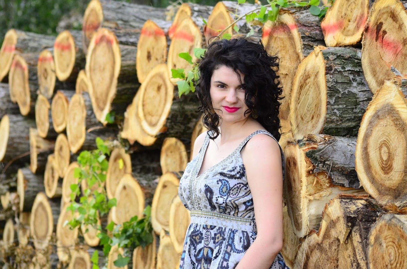 http://hairwitchproject.blogspot.com/2016/08/cyganska-kiecka-i-sesja-w-polu.html