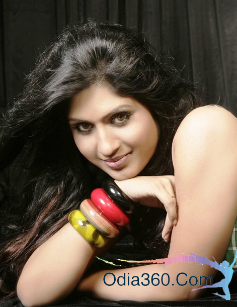 Naina Das Height, Weight, Age, Husband, Family, Biography -8634