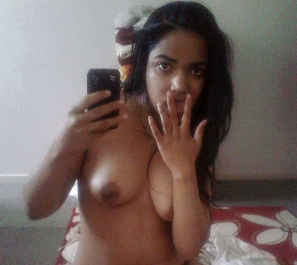 Indian Girls Small Boobs