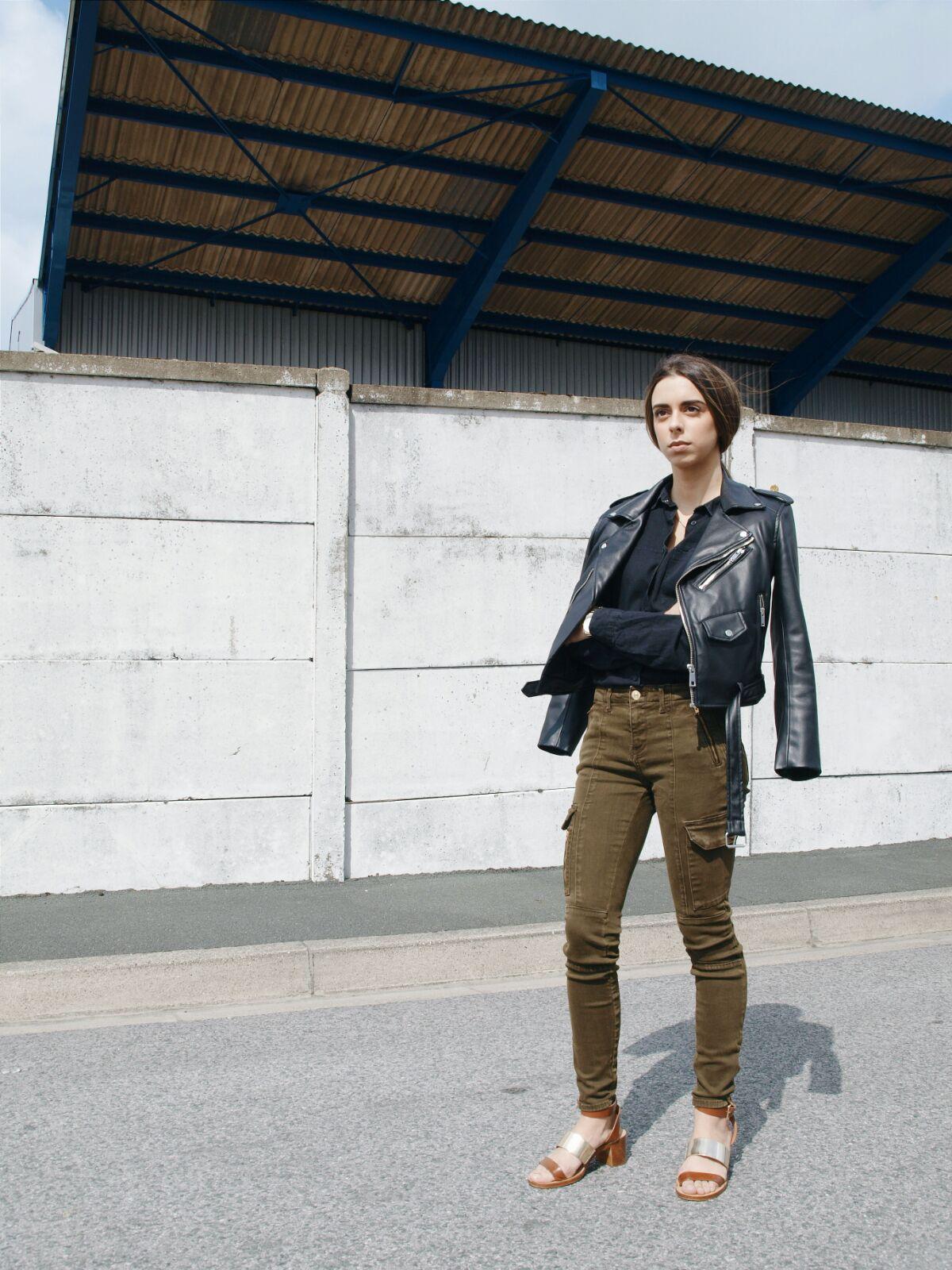 perfecto-and-cargo-coastalandco-blog-zara-sandals-fashion-woman-kaki-jeans