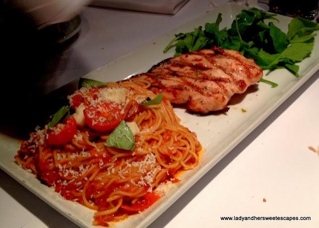 Romano's Macaroni Grill's Pollo Caprese