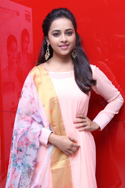 Actress SriDivya At Maaveeran Kittu Audio Launch Pics