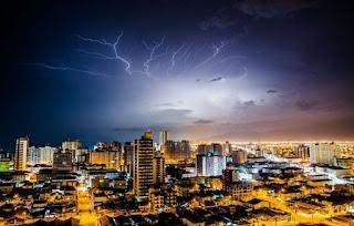 Cuidado com as tempestades de raios: podem matar
