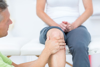 https://chennaiorthopaedics.com/knee-pain-treatments/locking-or-buckling-of-knee/