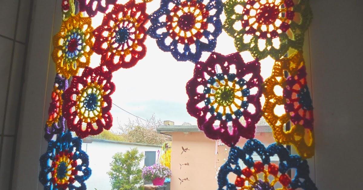 kochloeffel-und-nadelkissen: Häkel- Blumen... als Gardine,Tischdecke ...