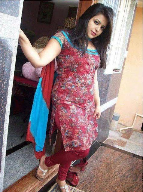 super cute Indian girls pic, college girl pic
