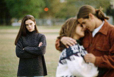 Hậu quả khi 'thả thính' chồng bạn thân và nhận cái kết bất ngờ