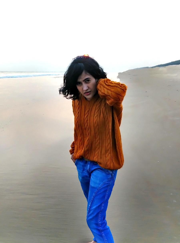 blue wrangler jeans,handmade sweater