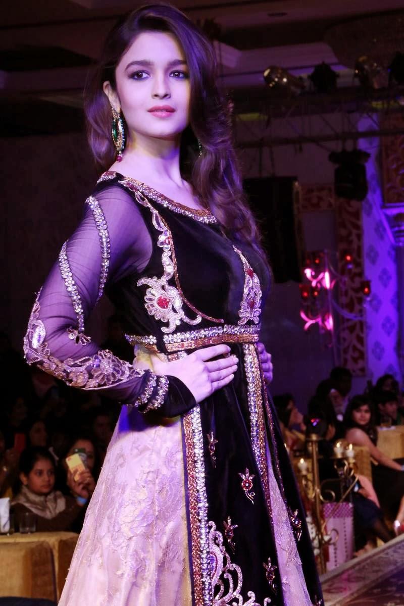 22 part 2 punjabi bhabhi in salwar suit selfie wid moans - 2 8