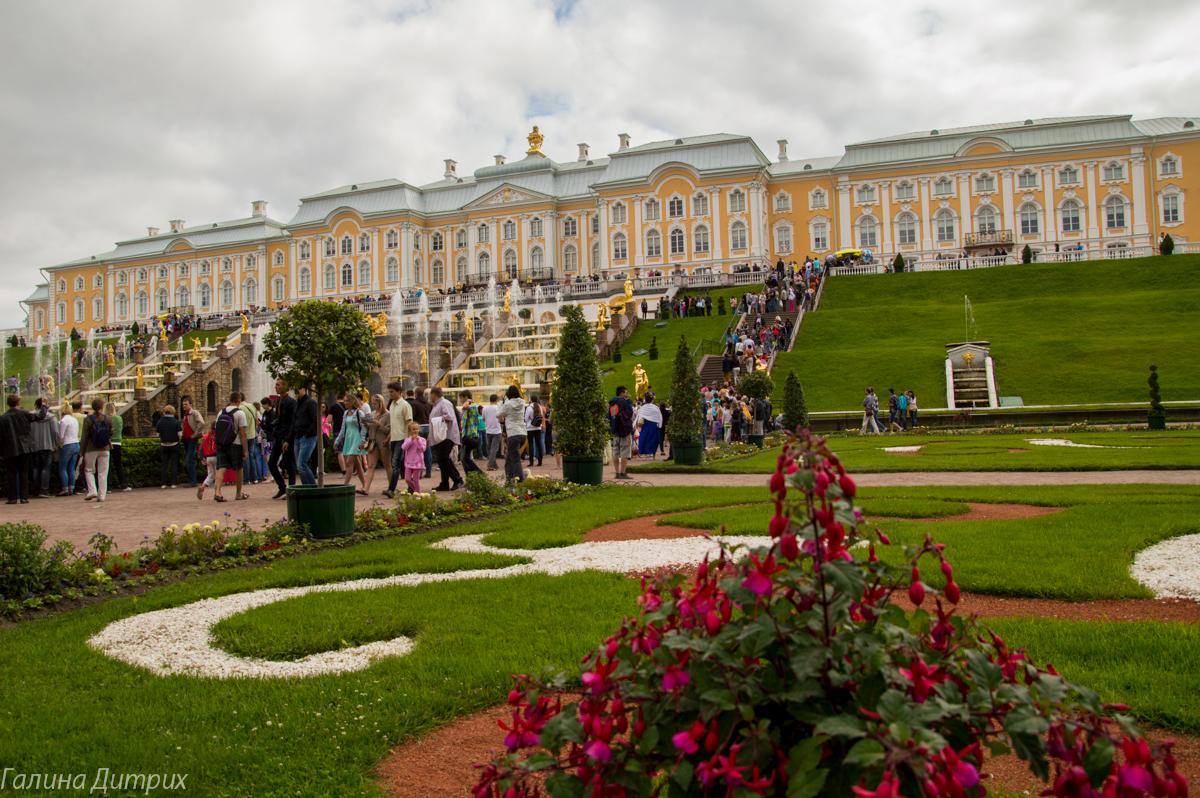 Большого Петергофский дворец фото