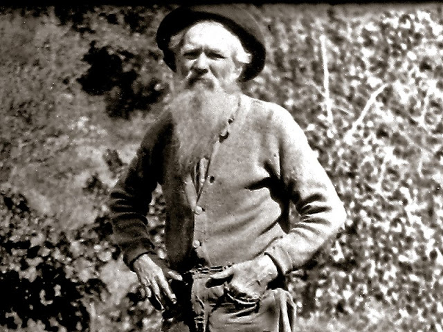 After Justice abandoned or sold his first mining claim, he moved to the Narrows, where he live as a hermit for the remainder of his life.