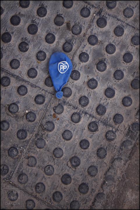 fotografía, PP, PPEXIT, globo, metafora, basura, arriba_extraña