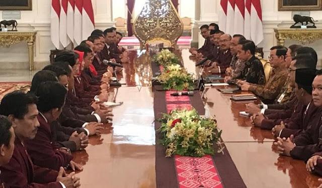 Persatuan Perawat Bertemu Jokowi: Singgung Abdi Negara non-PNS