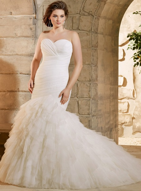 Designed Elegant Sweetheart Ruffles Mermaid Floor-Length Plus Size Wedding Dresses