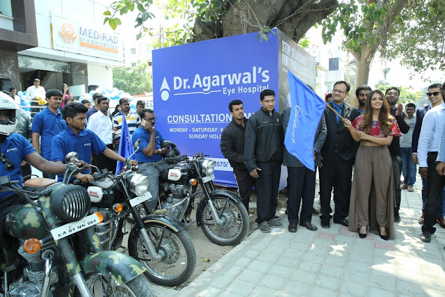 Ms. Parul Yadav flagging off Dr. Agarwal's Eye Hospital's bike rally aimed at creating awareness about eye donation