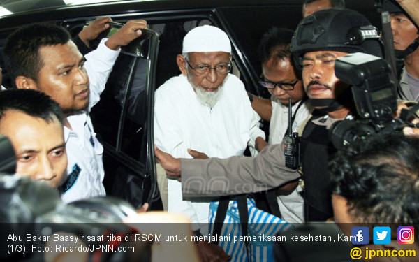 Jokowi Dianggap Keliru Terkait Abu Bakar Ba'asyir, Dosen Hukum UI sampai Bilang Begini