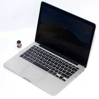 "MacBook Pro Retina MF83LL/A i5 13"" Early 2015 Bekas Di Malang"