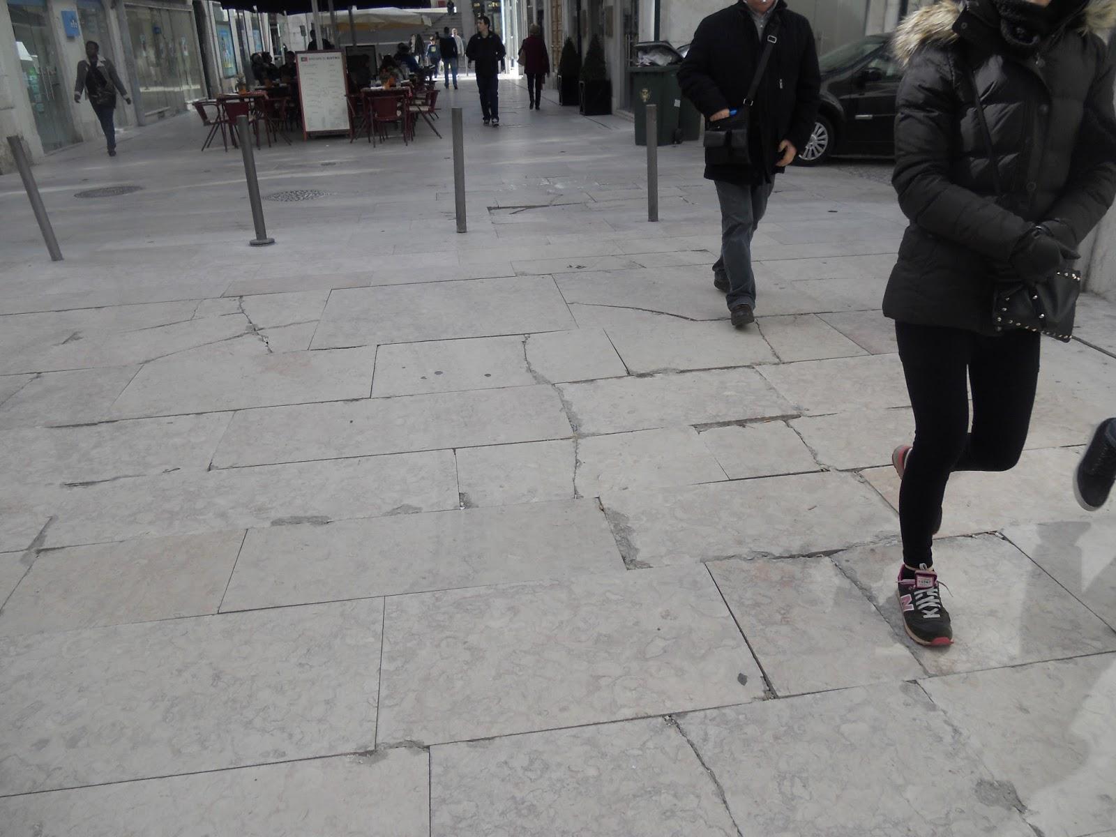 4bd35b7bd Quando, em 2014, a CML decidiu começar a trocar a calçada portuguesa pela  pedra lioz polida como revestimento dos pavimentos, logo compôs para este  novo ...