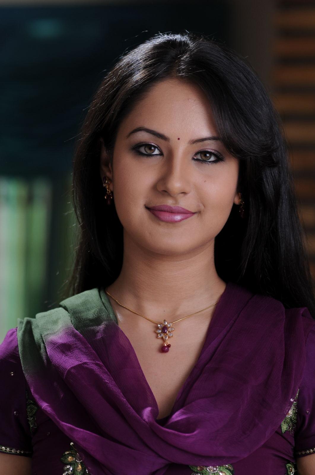 Shanvi Cute Hd Wallpapers Tollywoodcinephotos Pooja Bose Latest Stills