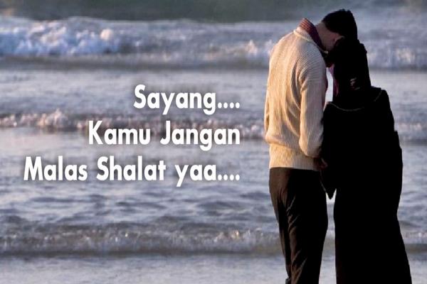 Menurut Pandangan Islam, Bolehkah Istri Mempertahankan Bersama Suami yang Tak Shalat?