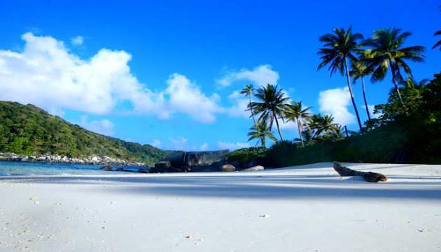 Menikmati Keindahan Pulau Tropis Terbaik Asia Di Anambas