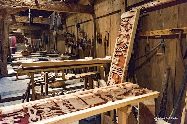 Lofotr Vikingmuseum, talla de madera por El Guisante Verde Project