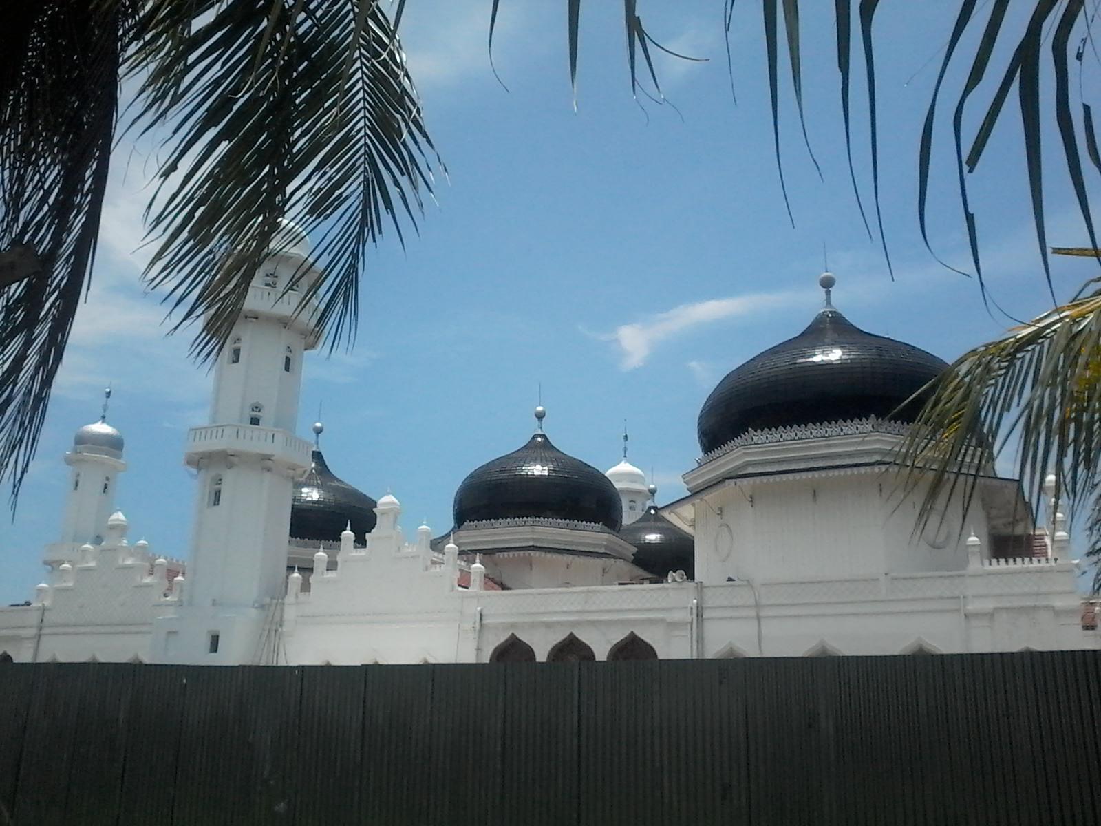 Biasanya sejumlah destinasi di Tanah Air saat Bulan Suci Ramadhan wisatawannya tidak seramai dibanding di luar Ramadhan Namun hal itu tidak berlaku bagi
