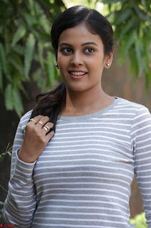 Actress Chandini in ed Tight Top at Ennodu Yilayadu tamil movie press meet ~  33.jpg